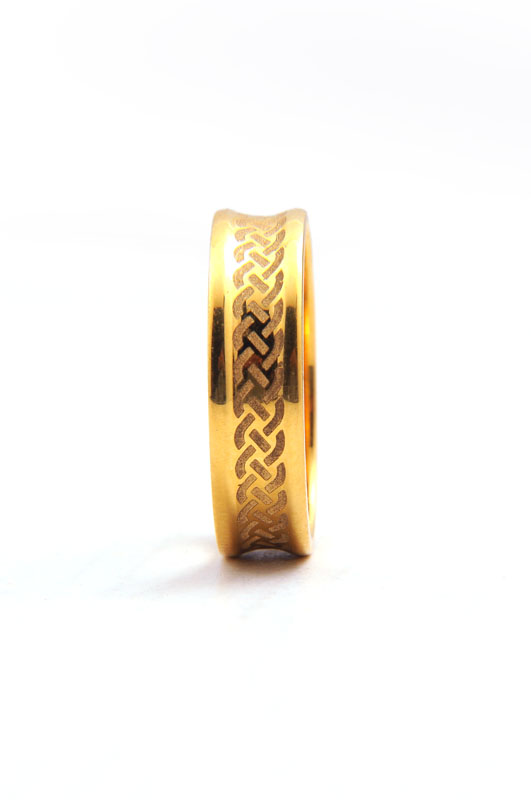 Barb Wire Engraved Wedding Band